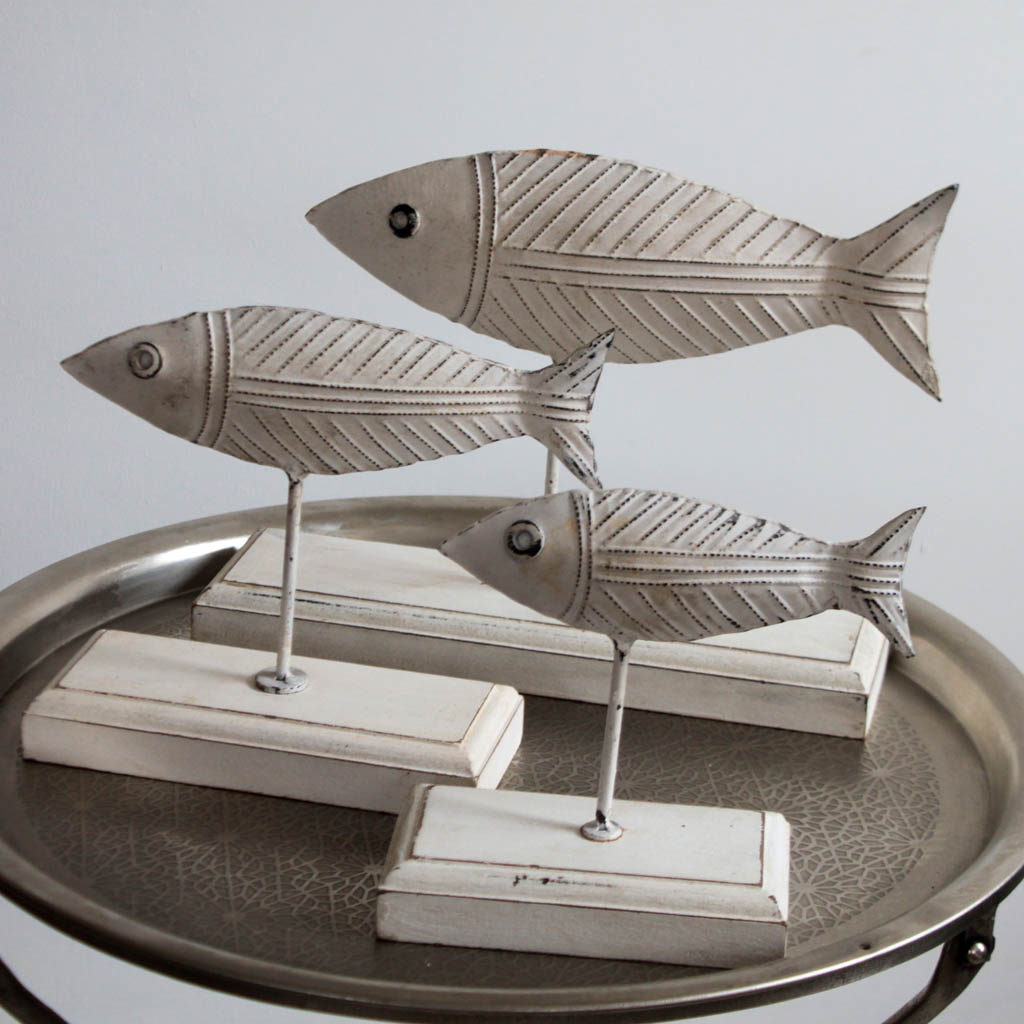 White Fish On Wooden Stands School Of 3 Kasakosa Home