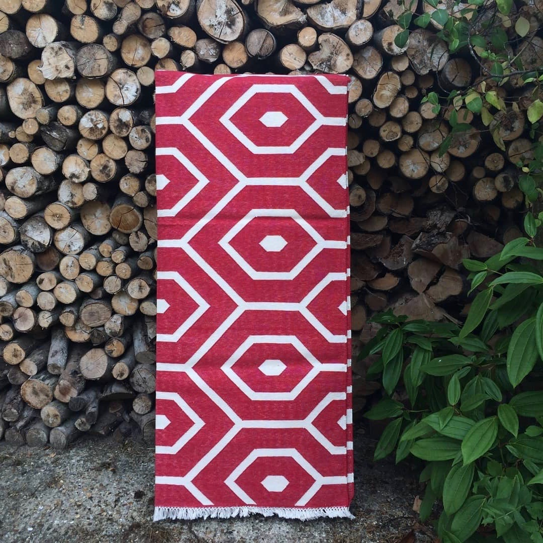 Handwoven Cotton Dhurrie Rug – Red Geometric